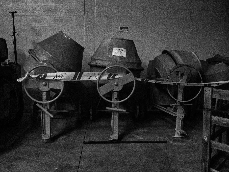 Leilão púlico de equipamentos da FDO na sede do grupo.
