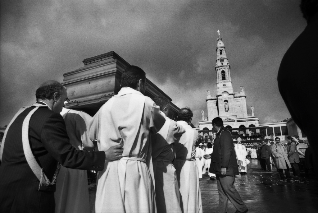 Transfer of Sister Lucia's mortal remains to Fatima