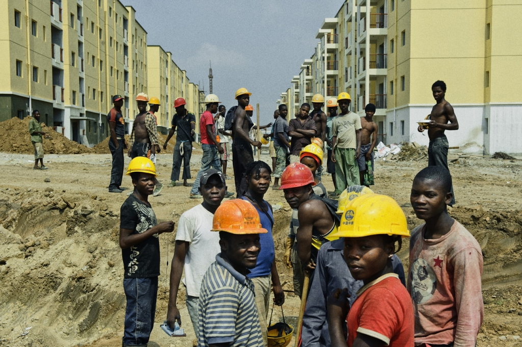 Building new central areas (cities) in Angola